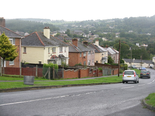 Houses on Pillowell Road
