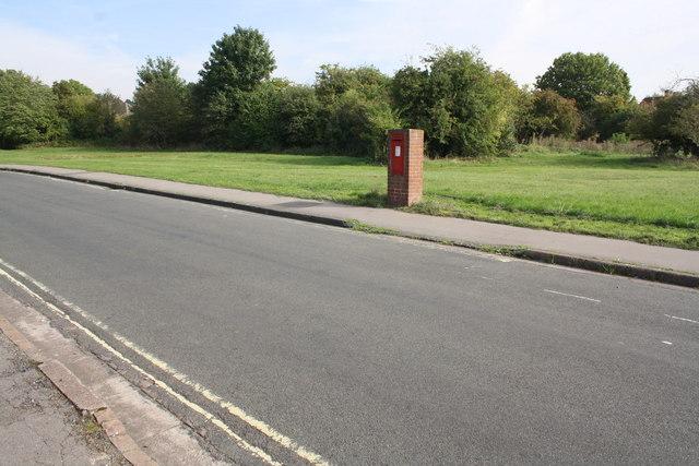 A lonely GR pillar box beside Rock Edge