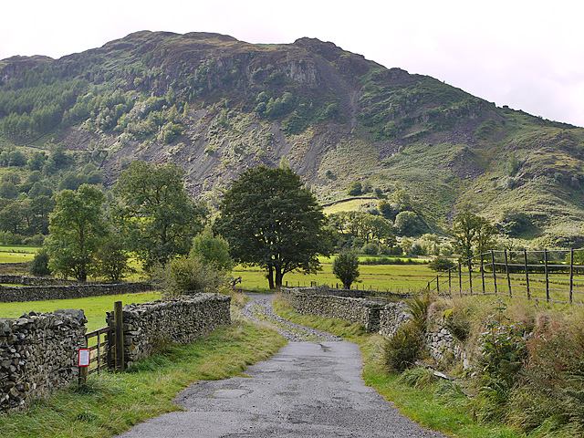 Track leading up Great Langdale