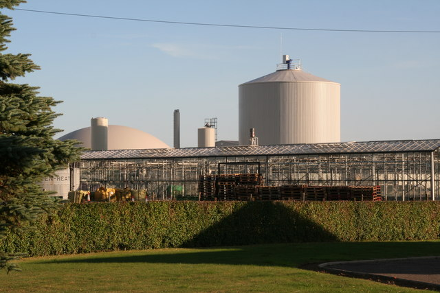 Staples vegetable production  unit and anaerobic digester/biogas plant