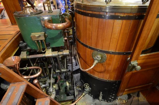Waterlily pleasure boat - Falmouth