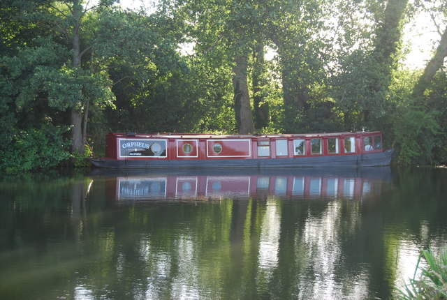 Narrowboat by The Lynch