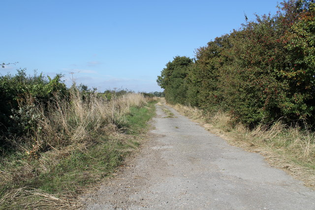 Farm track off Hopyard Lane