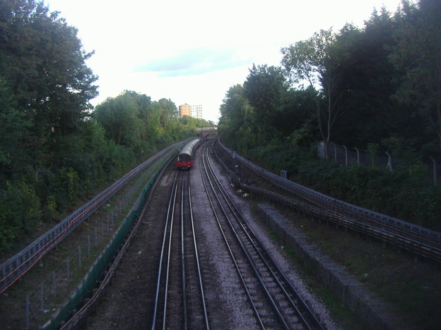 Train on the Northern Line from Church Lane