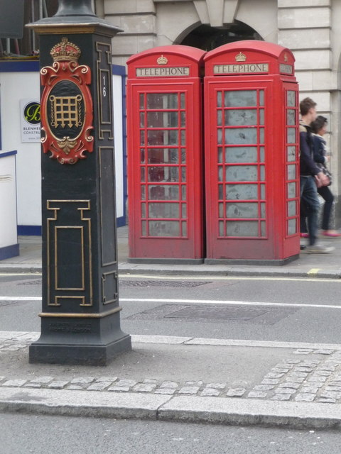 London: red phone boxes, 408 Strand