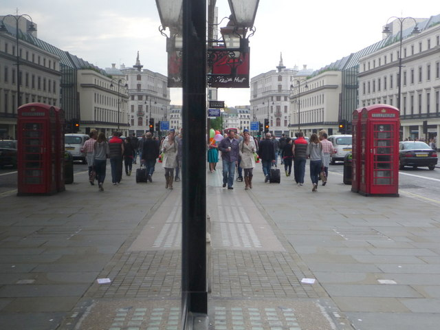 London: red phone boxes, 59 Strand