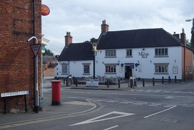 Middle Bell pub, Barton under Needwood