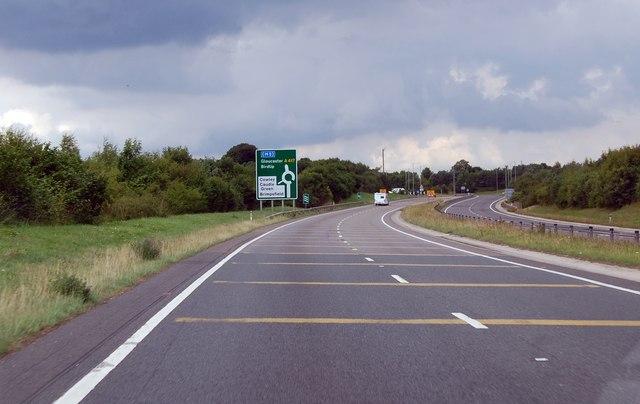 A417 approaching roundabout