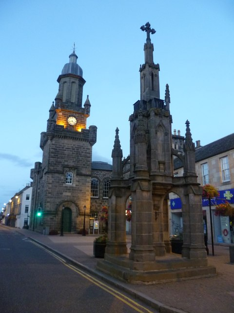 Tolbooth and mercat cross, High Street