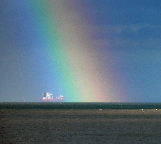 Rainbow's end in the River Humber