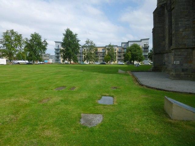 Paisley Abbey: the former Abbey Churchyard