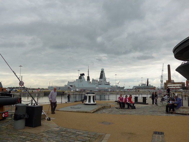Portsmouth Dockyard: October 2013