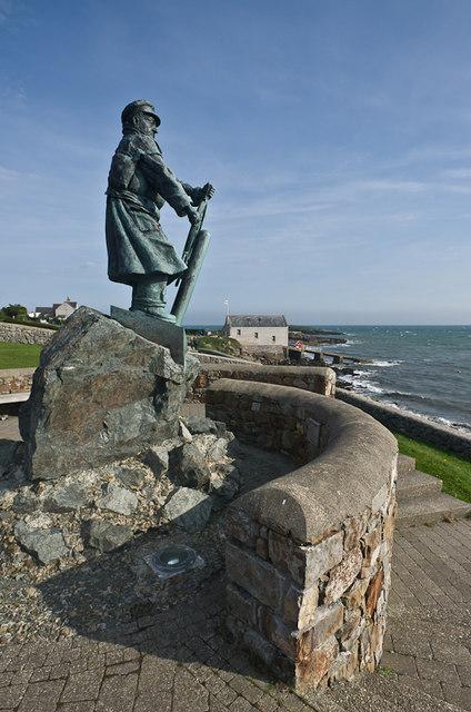 Statue to Coxswain Richard Evans