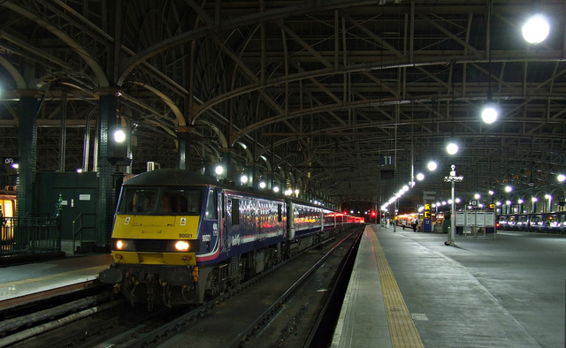 The Caledonian Sleeper at Glasgow Central