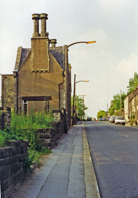 Holmfirth: up Station Road past site/remains of railway terminus