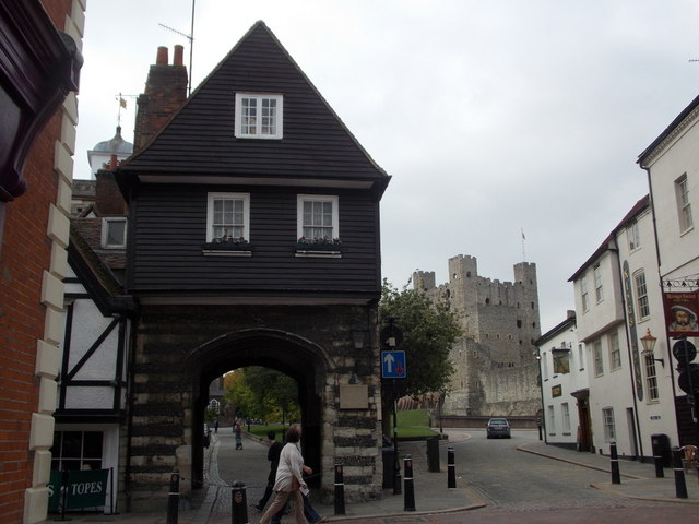 Rochester: College Gate and the castle