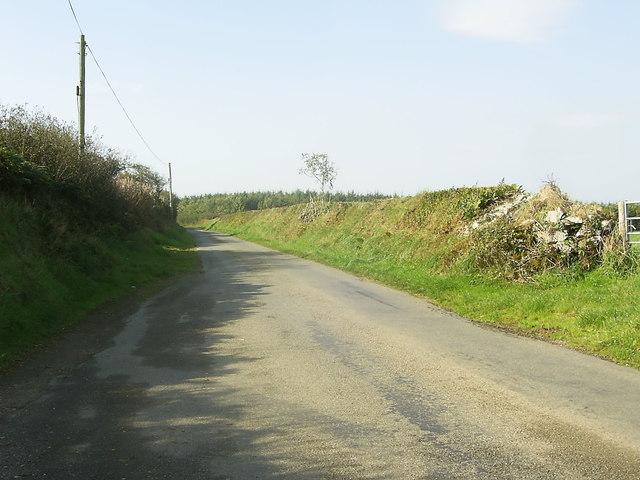 Minor road heading for Trecwn