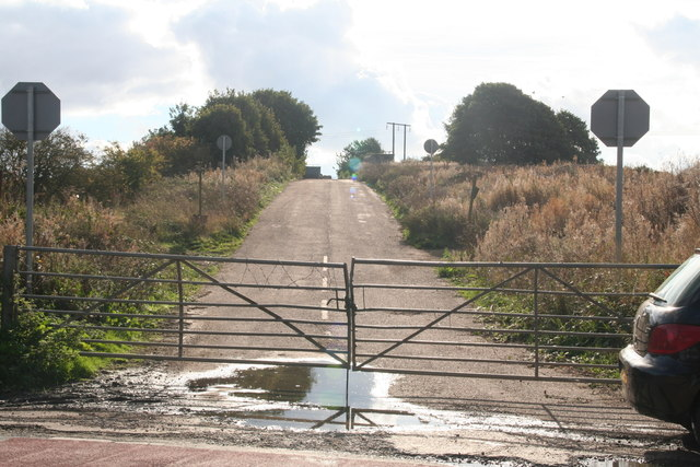 Entrance to the old chalk quarry and recycling centre