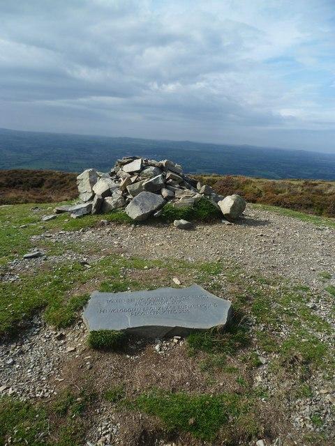 Burial Mound, Penycloddiau