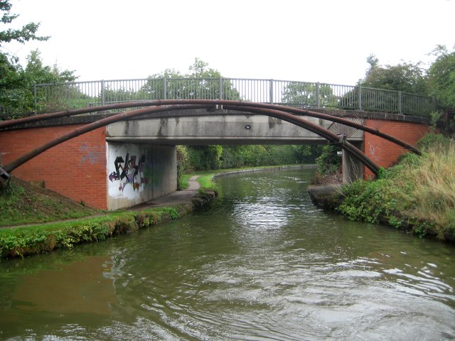 Grand Union Canal: Bridge Number 94