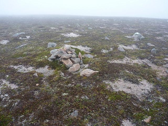 Summit cairn, Point 837m