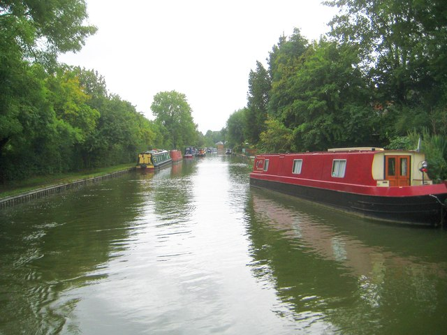 Grand Union Canal: Reach in Fenny Stratford
