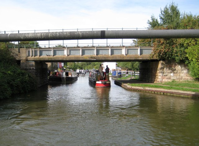 Grand Union Canal: Bridge Number 95A