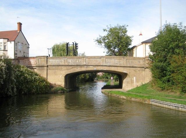 Grand Union Canal: Bridge Number 96