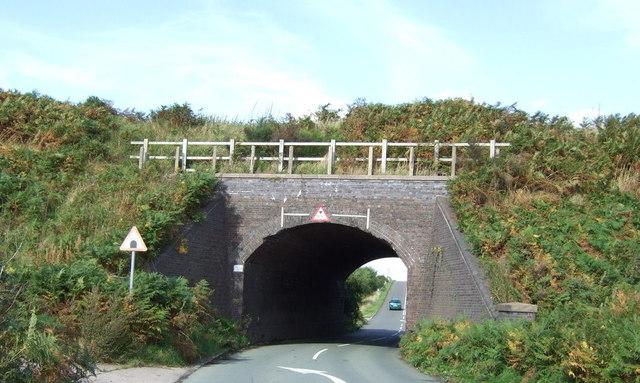 Railway bridge over Hanney Hay Road