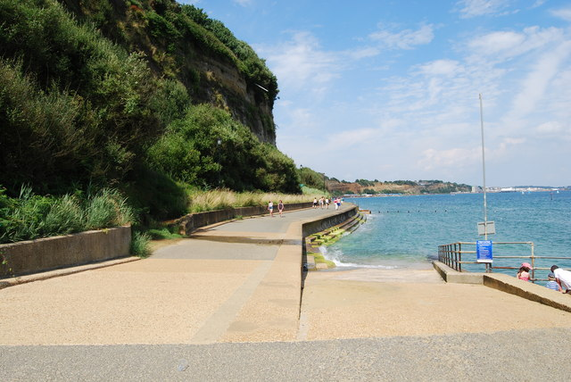 Walking from Shanklin to Sandown (2)