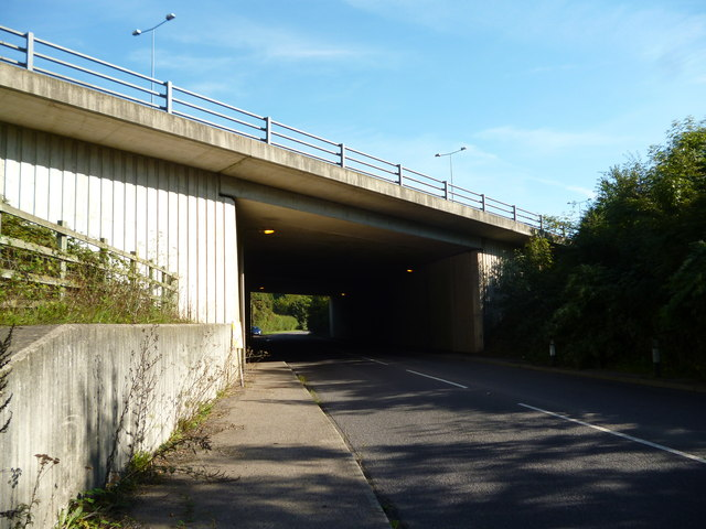 Gatton: M25 bridge over Gatton Bottom