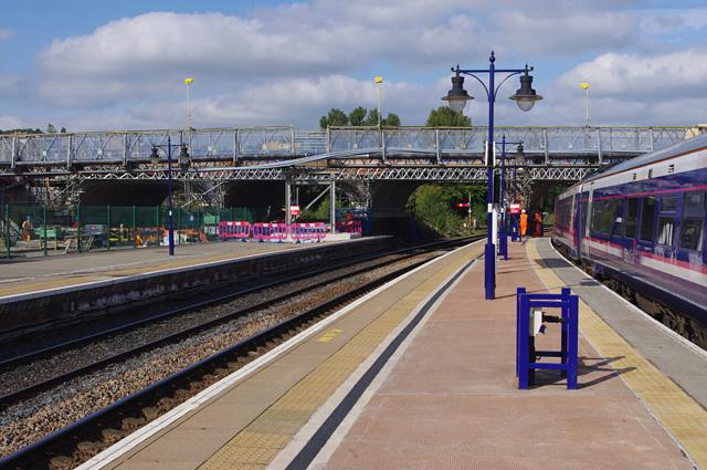 Shore Road bridge, Stirling station