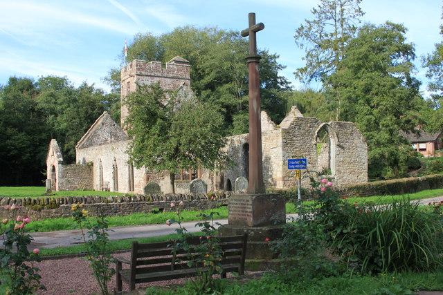 Llanwarne war memorial