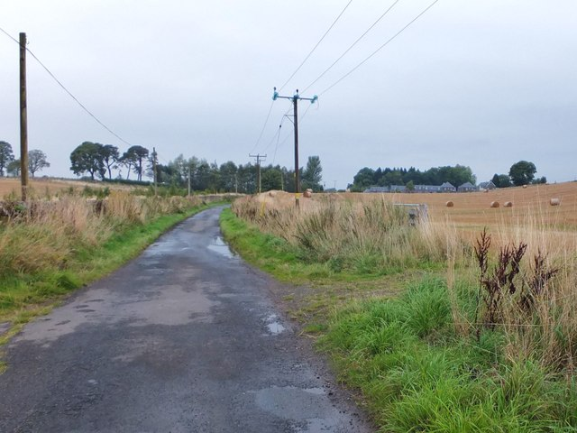 Minor road to Kippenross Farm