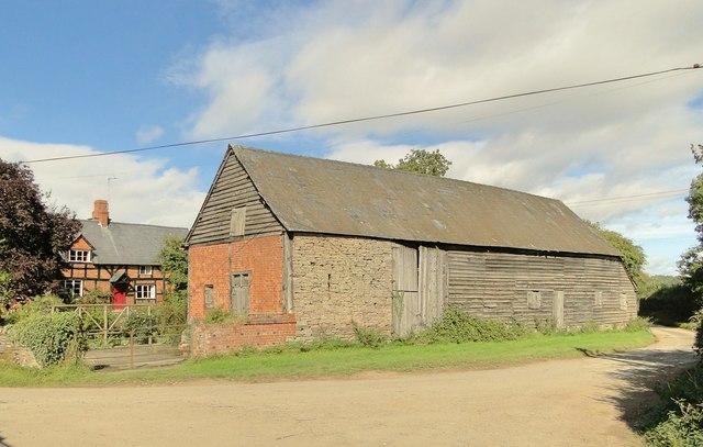 Ancient barn, Hurstley Farm