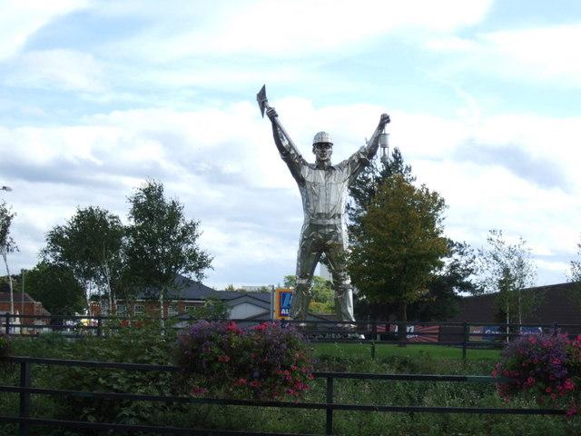 Sculpture of a miner, Brownhills