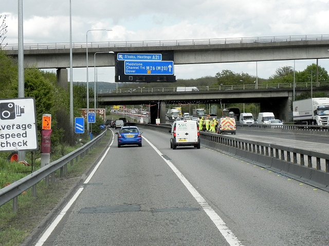 M26, Chevening Road Bridge