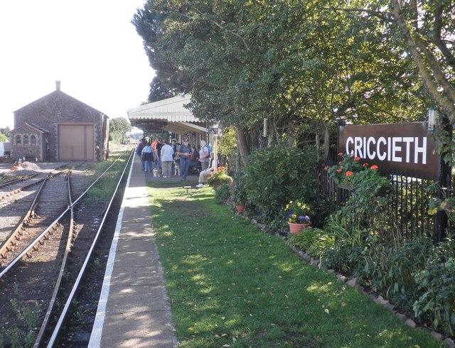 Passengers wait on the platform at Criccieth?
