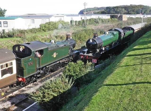 Passing trains at Blue Anchor
