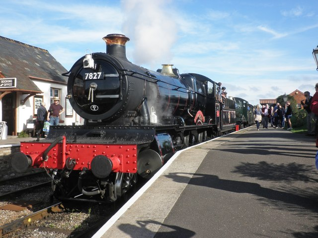Two GWR Manor class locos 'double-head' the Cambrian Coast Express
