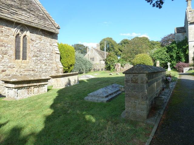 St Nicholas, Sandford Orcas: churchyard (1)