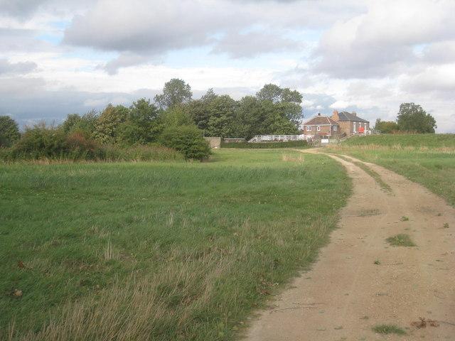 Approaching Weighton Lock