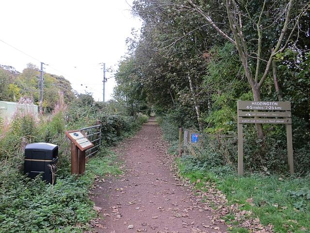 Haddington railway path, Longniddry