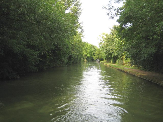 Grand Union Canal: Reach in Stoke Hammond