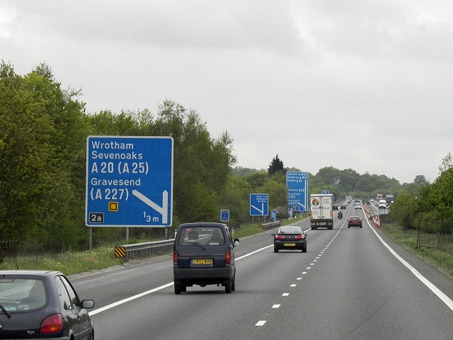 Westbound M26 Approaching Junction 2A