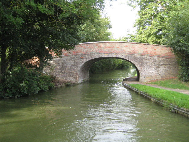 Grand Union Canal: Bridge Number 102