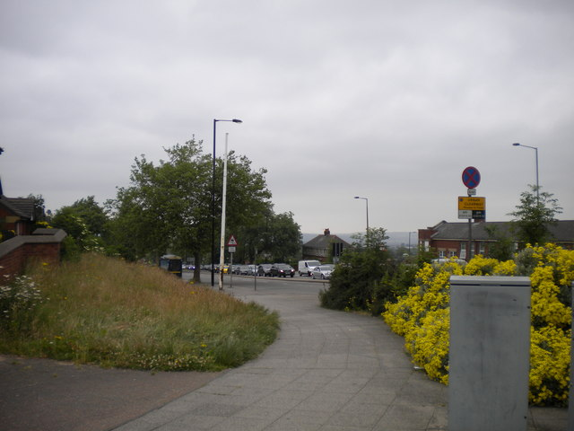 Prince of Wales Road, Manor Top