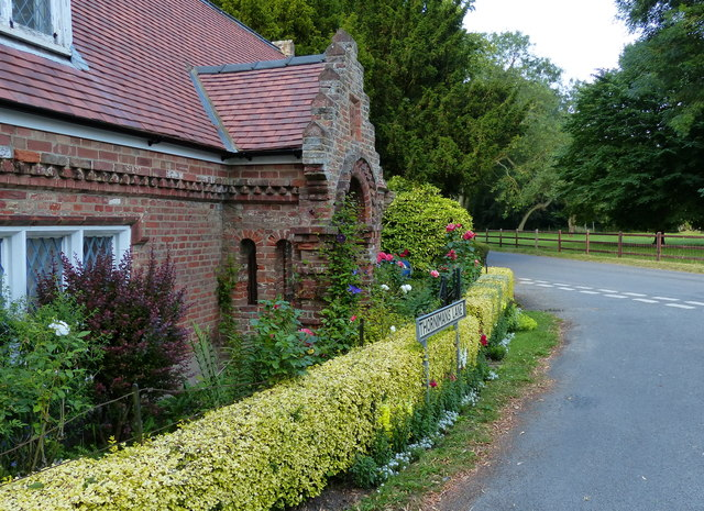 Memorial Cottage on Thornimans Lane