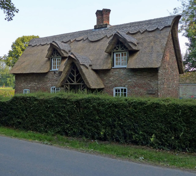 Thatch Cottage on Middlegate Road East