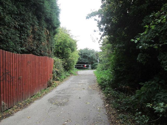 Towards the bridleway near Belle Green